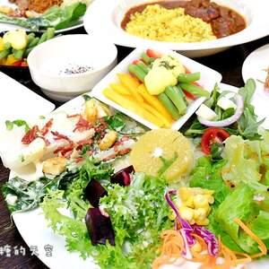 """台中吃到饱‖快来聚坊Great Room""""呷在地,爱小农""""!自然农法栽种~多种在地小农蔬菜吃到饱,还有沙拉、麵包、熟食、甜品、水果、饮料……饱到天灵盖啦!"""