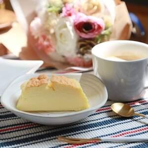 【烘培料理】轻乳酪蛋糕食谱,不甜、不油腻的也很耐吃。