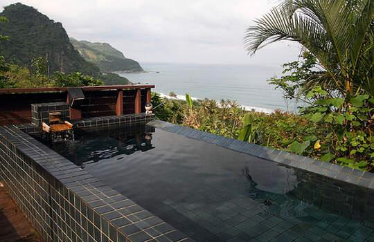 彷彿蘇美島的私人小島!不用是百萬富翁在台灣也可以擁有!